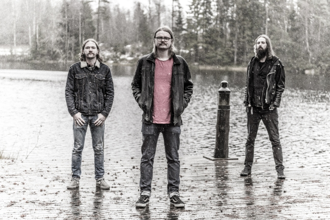 VOKONIS: Swedish doom trio to release The Sunken Djinn album on Ripple Music | Stream title track exclusively via Decibel Magazine