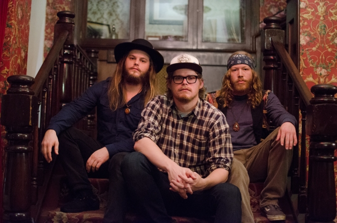 Heavy CA Blues Trio SHOTGUN SAWYER to release new album with RIPPLE MUSIC | Stream new song '(LET ME) TAKE YOU HOME'
