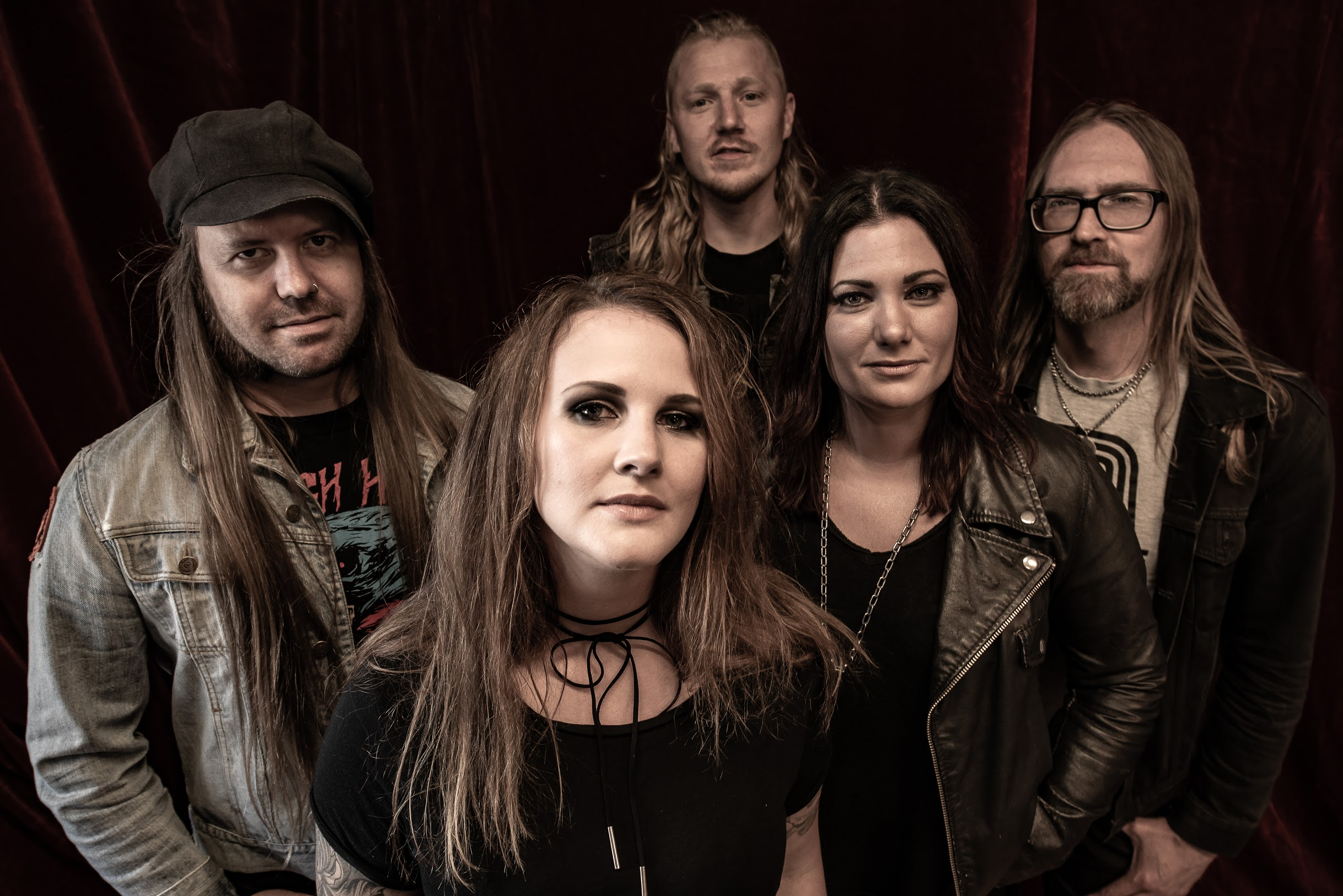ELECTRIC HYDRA: Majestic Mountain Records sign Promising Swedish Quintet for Release of Debut Album